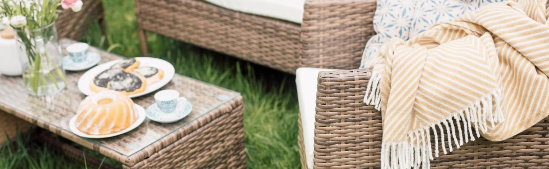 Hledáte hezký a odolný zahradní nábytek? Vsaďte na umělý ratan