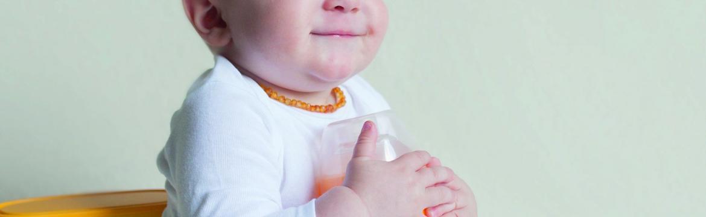Lahvička s ohřívačem yoomi warmer: Teplé mléko pro miminko na lusknutí prsty