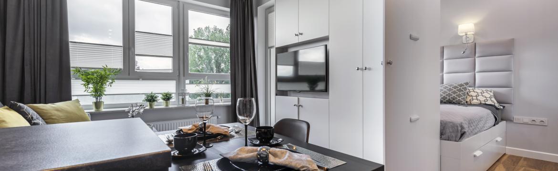 Máte malý byt a necítíte se v něm dobře? Poradíme, jak opticky zvětšit interiér.