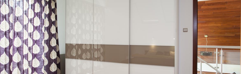 Vestavěný nábytek na míru – kdy je a kdy není tou nejlepší volbou pro váš interiér?