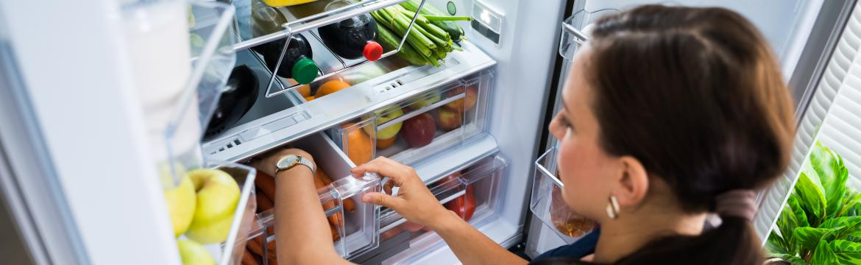Pár dobrých rad, jak si přehledně a prakticky uspořádat věci v ledničce