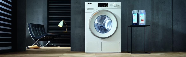 Problém zapraného a vybledlého prádla řeší správné dávkování pracího prostředku