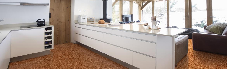Vyhřívané kamenné koberce výborně poslouží jak v interiéru, tak exteriéru
