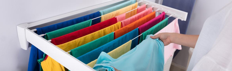 Jak pohodlně sušit prádlo v bytě i při nedostatku prostoru? Máme 5 praktických rad