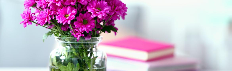 V neděli je den matek. Jakou má historii a čím plánujete potěšit tu svou?