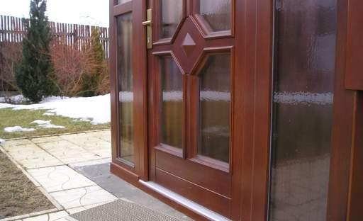 Dopřejte si bezpečí za bezpečnostními dveřmi