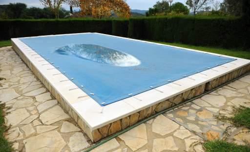 Jak správně zazimovat bazén a připravit jej na další sezónu?