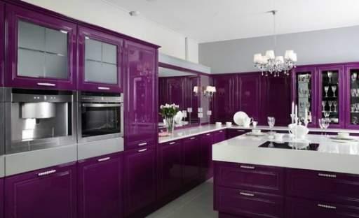 Fialová barva ve vašem interiéru. Zkuste ji také!