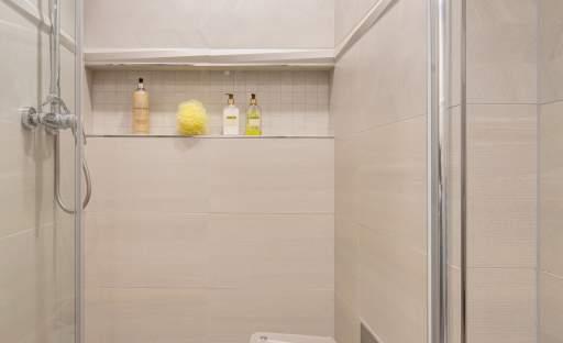 Vnučka navrhla babičce koupelnu, která nemá chybu