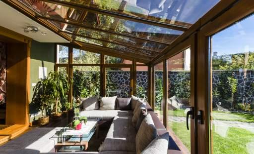 Zimní zahrada je skvělý nápad, jak rozšířit obytný prostor domu