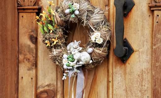 Velikonoce se sluší přivítat se vší parádou. A začít můžete hned u dveří