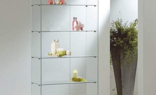 Design spojený s množstvím úložného prostoru aneb trend vitrín se vrací