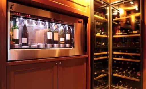 Na sklenku vína si skočte do domácího baru