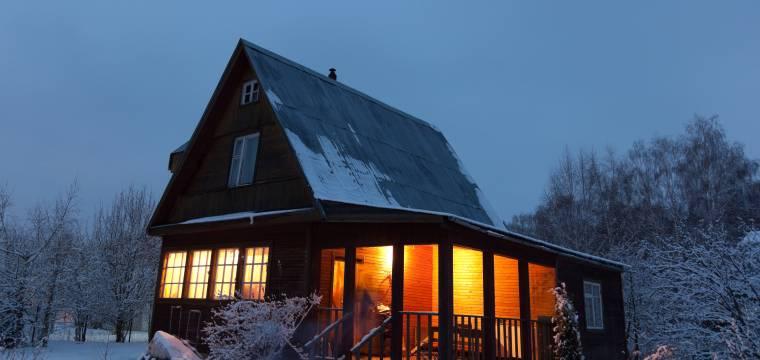 Jak elegantně utemovat okna, aby do nich při chladných a větrných dnech netáhlo?