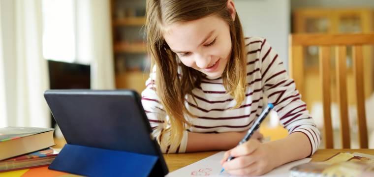 Tipy pro domácí vzdělávání během koronaviru: Jak s dětmi přežít karanténu a ještě je donutit k učení?