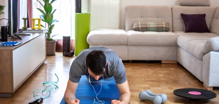 Udělejte si doma plně funkční posilovnu na malém prostoru