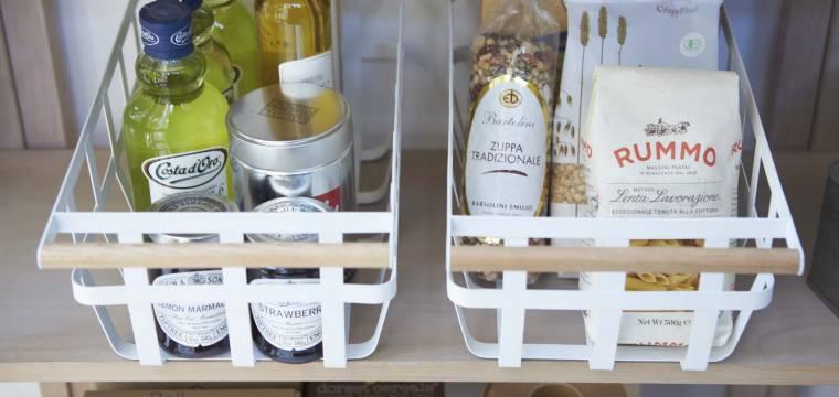Pořádek ve skříňkách umí potrápit zejména v kuchyni. Víme, jak ho zkrotit