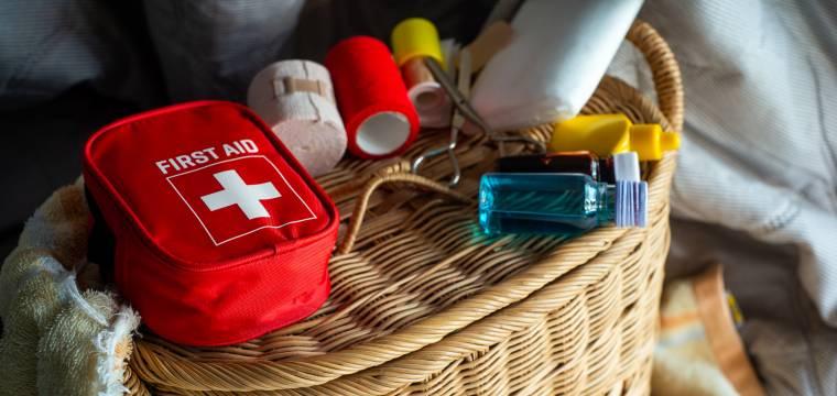 Zkontrolujte si domácí lékárničku a doplňte věci, které by neměly chybět