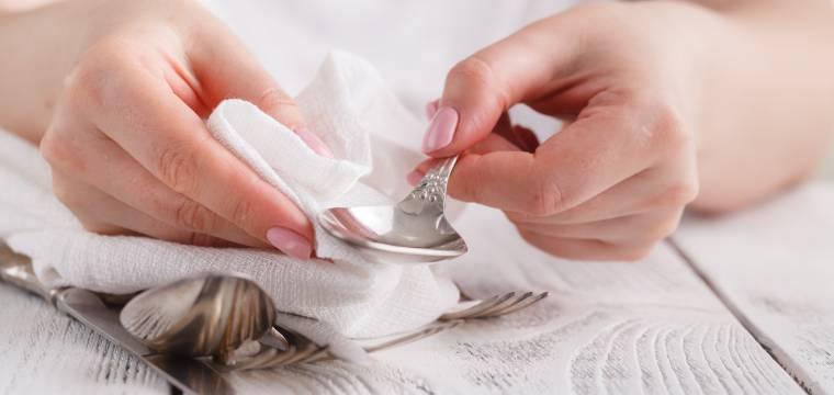 Jak vyčistit (nejen) stříbrný set po babičce? Je to snadné, když víte, jak na to