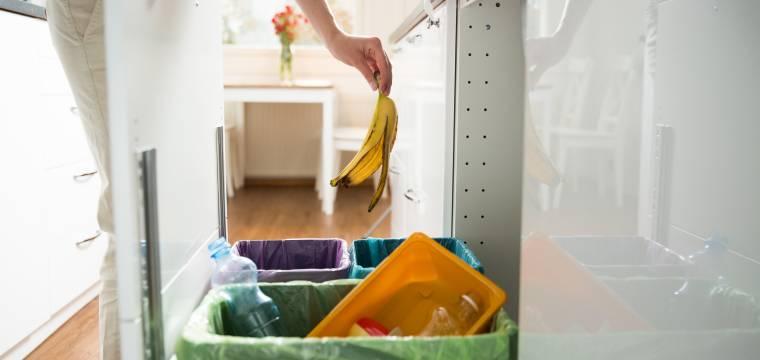 Jak se zbavit nepříjemných pachů linoucích se z odpadkového koše?