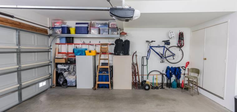 Co byste nikdy neměli skladovat v garáži?